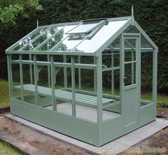 There is no more hurdle to know how to do greenhouse gardening? Greenhouse gardening is only possible in the best climatic conditions and weather variables. Diy Greenhouse Plans, Backyard Greenhouse, Small Greenhouse, Greenhouse Wedding, Greenhouse Kits For Sale, Greenhouse Frame, Homemade Greenhouse, Portable Greenhouse, Garden Buildings