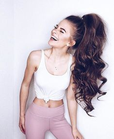 Transform your limp, thin ponytail into a thick, voluminous one! Learn how to do three different ponytail hairstyles with clip in hair extensions in this article. Ponytail Hairstyles, Trendy Hairstyles, Curly Hair Styles, Natural Hair Styles, How To Grow Natural Hair, High Ponytails, Gorgeous Hair, Beautiful, Hair Blog