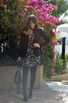 Estampa camuflada no Look da Semana. Zara dress. Ralph Lauren Blazer.
