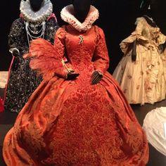 Elizabeth:I The Golden Age, so many wonderful costumes in this film, designer Alexandra Byrne