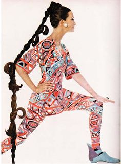 Emilio Pucci tunic and leggings set. Vogue 1965. Photo by Irving Penn.