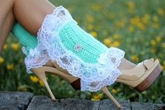 Victorian Style Leg Warmers - Crochet and Lace Spats in Mint - Kawaii Accessories - Lots of Colors Crochet Leg Warmers, Kawaii Accessories, Steampunk Accessories, Color Rosa, Fabric Shades, Victorian Fashion, Victorian Boots, Mint Green, Spring