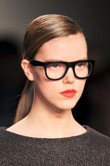 Hot trend geek glasses:  http://www.divahair.ro/tendinte/tendinte_toamna-iarna_2012:_cele_11_accesorii_must-have