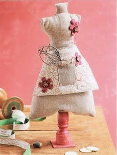 DIY dress form pincushion (pattern)