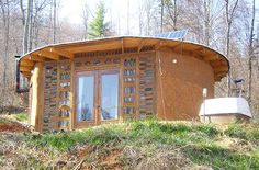 Morgan's $5,000 Earthbag House : theshelterblog 7/21/14