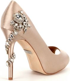Check out this product on Wanelo Bling Shoes, Fancy Shoes, Cute Shoes, Me Too Shoes, Satin Pumps, Peep Toe Pumps, Gorgeous Heels, Beautiful Shoes, Gold Wedding Shoes
