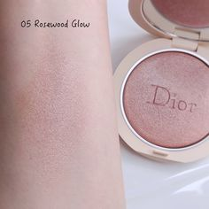 Dior Forever Couture Luminizers & Natural Bronze Powder | Lenallure Dior Forever, Luminizer, Swatch, Powder, Glow, Eyeshadow, Blush, Bronze, Couture