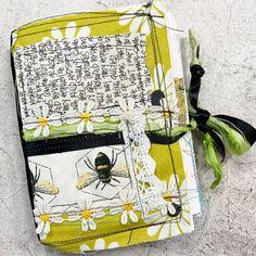 Journal Covers, Art Journal Pages, Journal Ideas, Bullet Journal Art, Junk Journal, Fabric Journals, Fabric Books, Art Journals, Young Art