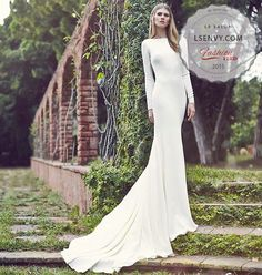 "Atelier Pronovias ""Ivania"" is chic, simple and 100% classic."