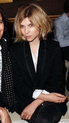 LE FASHION BLOG FRONT ROW CLEMENCE POESY STELLA MCCARTNEY FW 2014 SHORT BLONDE BOB HAIR HAIRCUT BLACK TUXEDO JACKET WHITE SHIRT BUTTON UP BLOUSE FADED BLACK SKINNY JEANS REPOSSI GOLD RING SIMPLE BRACELET BEAUTY CLASSIC EFFORTLESS STYLE INSPIRATION photo LEFASHIONBLOGFRONTROWCLEMENCEPOESYSTELLAMCCARTNEYFW2014.jpg