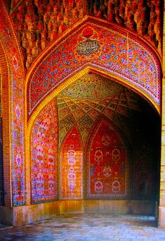 Detail of the iwan of the Nasir al-Molk mosque in Shiraz, Iran. I love the Muslim architecture! Art Et Architecture, Islamic Architecture, Amazing Architecture, Architecture Details, Beautiful World, Beautiful Places, Simply Beautiful, Beautiful Mosques, Beautiful Buildings