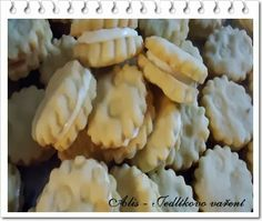 Vanilkové sušenky s lemon curd Lemon Curd, Yummy Cookies, Christmas Cookies, Cauliflower, Sweet Treats, Cheese, Vegetables, Cake, Cookie Monster