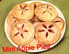 I've been away for far too long, but, while I have been gone, I have been experimenting with apple pie and all the different ways to make it. If you read my latest post , you'll know I made my very. Thanksgiving Platter, Thanksgiving Treats, Mini Apple Pies, Mini Pies, Homemade Apple Pies, Apple Pie Recipes, Just Desserts, Dessert Recipes, Delicious Desserts