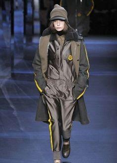 sfilata-moncler-gamme-rouge-autunno-inverno-2014-2015-jumpsuit   #moncler #womenswear #abbigliamentodonna #vestiti #clothes #autunnoinverno #autumnwinter #moda2014 #fashion #autunnoinverno20142015 #autumnwinter2015