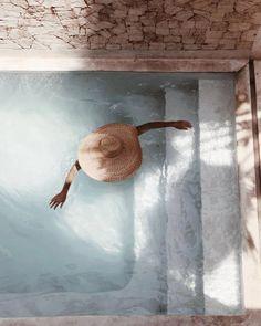 nachher Kenia mit Emelinaa Henriquez Tilleriaa - Spell & th .- nachher Kenia mit Emelinaa Henriquez Tilleriaa – Spell & th … Summer Feeling, Summer Vibes, The Beach People, Plunge Pool, Summer Aesthetic, Summer Of Love, Summer Beach, Summer Pool, Casual Summer
