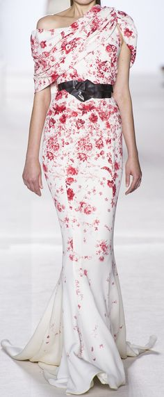 LOVE! Great style wedding-dress if you are smaller on top #balance (Giambattista Valli Haute Couture Autumn 2013)