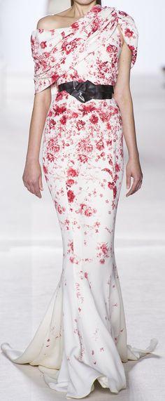 LOVE! Great style wedding-dress if you are smaller on top #balance (Giambattista Valli Haute Couture Autumn 2013)