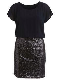 Our go to dress this #partyseason #hinthint #christmas @atticwomenswear @lylessarah