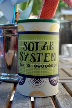 solar system in a can- very clever... might have to try this one...
