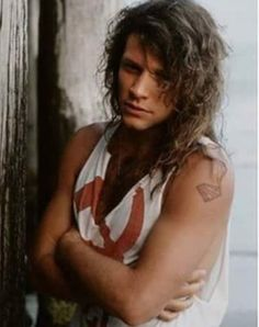 An apparently shivering cold Jon Bon Jovi in a rare color photo from late Jon Bon Jovi, Bon Jovi 80s, Rock Roll, Most Beautiful Man, Gorgeous Men, Happy Birthday Jon, Bon Jovi Pictures, Bon Jovi Always, The Duff