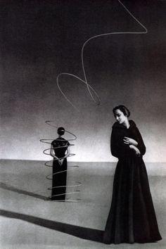 ELSA SCHIAPARELLI PHOTOGRAPHED by ANDRÉ DURST (1936)