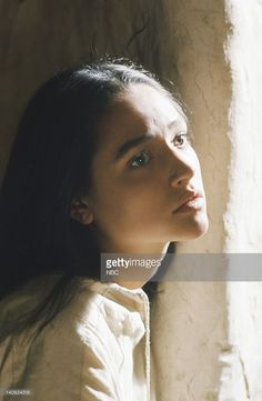 pictured-olivia-hussey-as-mary-the-mother-of-jesus-photo-by-nbcnbcu-picture-id140634318 (668×1024)