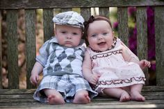 Twin Photography love this! Twin Baby Boys, Boy Girl Twins, Twin Babies, Cute Babies, Baby Kids, Cute Baby Pictures, Newborn Pictures, Beautiful Children, Beautiful Babies