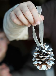 25 DIY Christmas Decorations