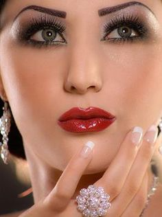 Beautiful Arabic makeup 1