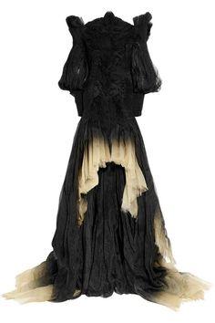Wedding+Ideas:+Alexander-McQueen-Degrade-silk-organza-off-the-shoulder-gown-2