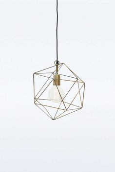Lampenschirm aus Messing in geometrischem Design - Urban Outfitters