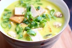 Laksa (Malaysian Curry and Coconut Soup)