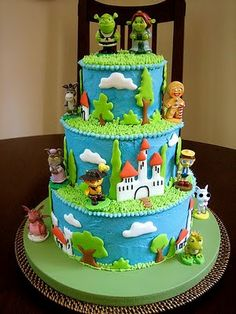 http://thepartyanimal.hubpages.com/hub/Shrek-Birthday-Cakes-and-Cupcake-Ideas