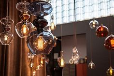 EBB & FLOW hanging lighting with led edison bulbs - Home Decorating Trends - Homedit Diy Pendant Light, Large Pendant Lighting, Edison Lighting, Pendant Lamps, Mid Century Modern Chandelier, Mid Century Lighting, Edison Lampe, Edison Bulbs, Led