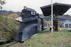 "a snow plow train called ""ki-1"" in Japan. If you've seen the move Snowpiercer, I wonder if this was the inspiration?"