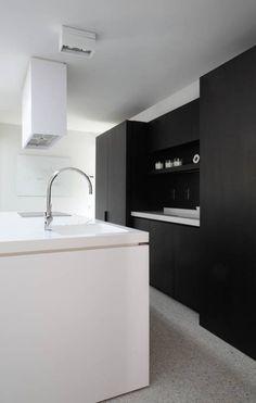 Modern Black And White Kitchen Designs : Sophisticated Black and White Kitchen Designs – Better Home and Garden