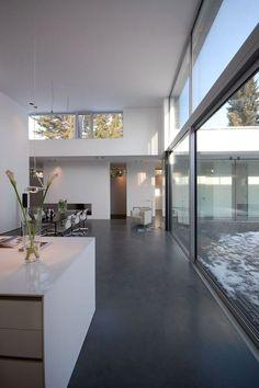 Restyling veloce con i pavimenti in resina: belli, moderni e resistenti. Scopri su fillyourhomewithlove tutti i possibili utilizzi di questo materiale