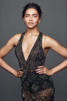 Deepika Padukone sizzling figure pics