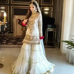 Beautiful Pakistani Dresses, Pakistani Dresses Casual, Pakistani Bridal Dresses, Pakistani Dress Design, Stylish Dresses For Girls, Stylish Dress Designs, Nikkah Dress, Mehndi Dress For Bride, Bridal Lehenga Collection