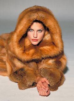 Ok...i guess I broke my own rule of no pinning before 2013...whatev! Hooded Red Fox Fur Coat~ mom...it's time to pass it on, along with that black sable. Your daughter is cold!
