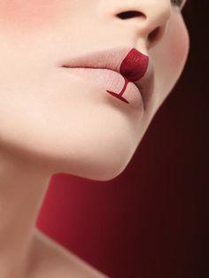 The wine kiss.