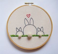 All about embroidery! Embroidery applique, cute embroidery, embroidered shirts, embroidering machine, embroidery clothes and more. Embroidery Hoop Crafts, Embroidery Applique, Cross Stitch Embroidery, Embroidery Patterns, Machine Embroidery, Stitch Patterns, Sewing Crafts, Sewing Projects, Cross Stitching