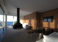 Villa Infinity, Ibiza Ubicada en un entorno excepcional, se haya esta magnífica villa abierta al mediterráneo. En el proyecto de rehabilitación, reforma y ampliación se hizo hincapié en conseguir la máxima transparencia y vistas al mar. Grow Old With Me, Rich Life, Lighting Design, Interior Design, Architecture, Luxury, Villa, Table, Motivation