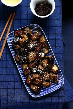 Japanese Roasted Eggplant - A Sun Lunch - Recettes légumes - Asian Recipes Veggie Recipes, Asian Recipes, Vegetarian Recipes, Cooking Recipes, Side Dishes For Bbq, Eggplant Recipes, Exotic Food, My Favorite Food, Cooking Time