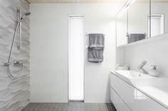 Naantali, omakotitalo - Bo LKV Alcove, Bathtub, Curtains, Shower, Koti, Finland, Bathroom Ideas, Houses, Home Decor