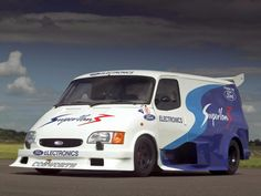 1995 Ford Supervan initially with a Ford Cosworth HB engine. Later it was fitted with a Ford-Cosworth Pro Sports 3000 engine. Ford Supervan 3 was a rebuild of Supervan Bmw M5 E60, Le Mans, Porsche Carrera Gt, Nico Rosberg, Alfa 164, Ford Motorsport, Ford Rs, Engines For Sale, Cool Vans