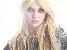 Taylor Momsen, gossip girl, and blond Bild Taylor Momson, Jenny Taylor, Diva Fashion, Star Fashion, Taylor Momsen Gossip Girl, Pretty Beautiful Girl, Beautiful People, Jenny Humphrey, Fresh Face