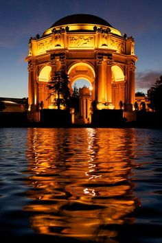 The ever stunning Palace of Fine Arts in San Francisco's Marina District, California
