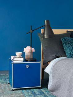 Inspirations chambre à coucher : table de chevet USM Haller - coloris bleu