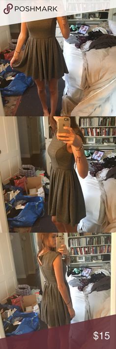 Urban outfitters chevron dress size 2 great for fall! heavyish dress very comfoetable. super cute chevron dress! perfect for work or school. Urban Outfitters Dresses
